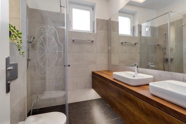 Fürdőszoba felújítás - STRUG